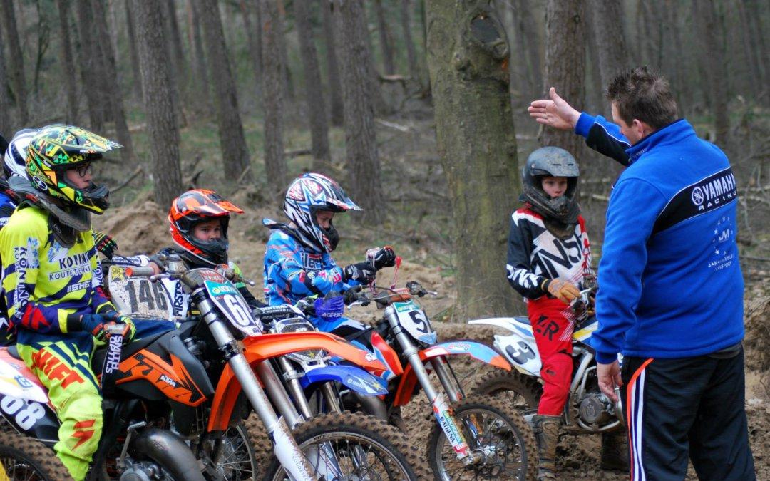 Erwin Robins heeft  zijn diploma motorsport trainer niveau 3 KNMV MT-3 behaald